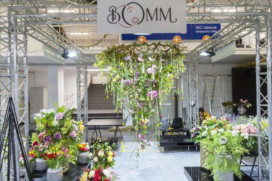 Kompozycje kwiatowe Bomm