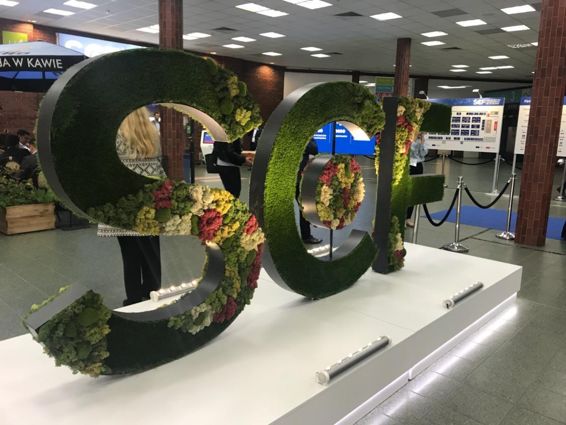 Shopping Center Forum 2018 - roślinne dekoracje targowe